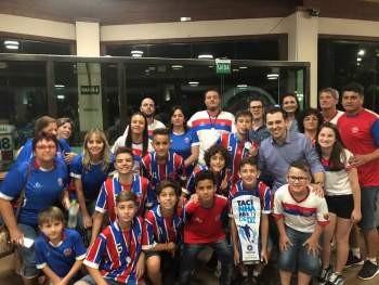 Esporte clube Ipiranga/SME recebe premiação de Vice-Campeão SUB 13 da tacinha RBS TV DE FUTSAL